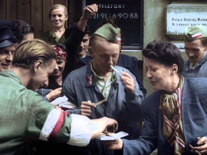 """Iwona Witt-Czuprzyńska: Po seansie """"Powstania Warszawskiego"""". Recenzja. 3 x wideo"""