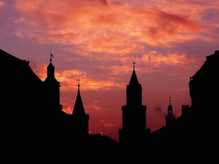 Wieża Trynitarska i dawne kolegium jezuickie