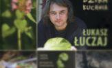 Skarby zielonego supermarketu. Recenzja książki Dzika kuchnia Łukasza Łuczaja